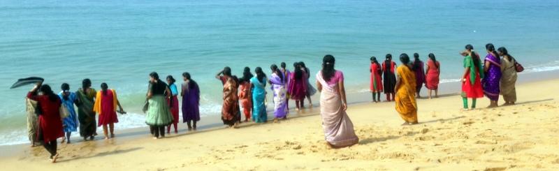 Kerala - naisia rannalla